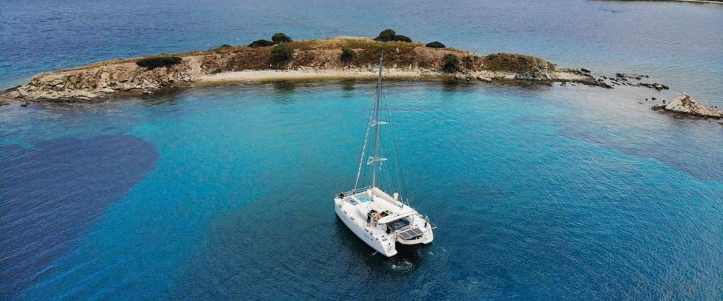 Ενοικίαση Catamaran στη Σκύρο