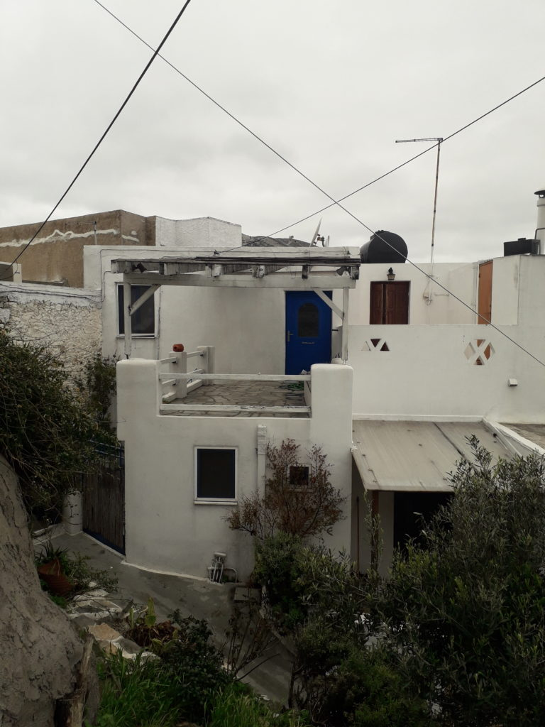 Fully furnished 2-floor house in Chora, next to the Market (Agora). J/R 105L
